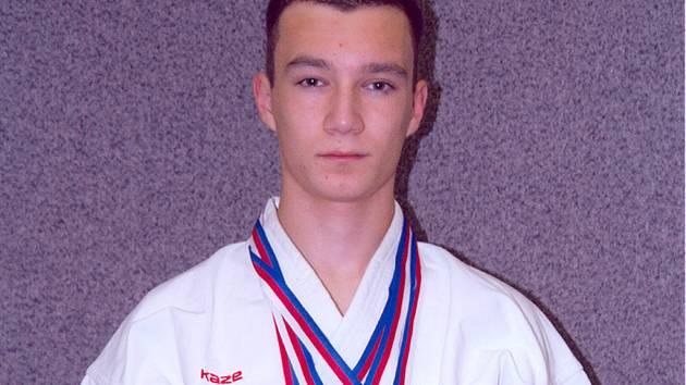 Marek Pohanka z Budó školy KK Písek vybojoval na Velké ceně Ostravy - Grand Prix tři cenné kovy. V lednu se ve Francii zúčastní mistrovství Evropy juniorů.