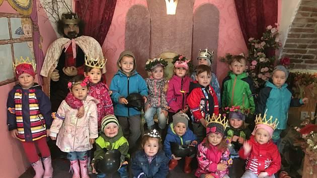 Děti navštívily Pohádkovou kovárnu.