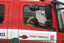 Mirovičtí hasiči představili veřejnosti svoji novou cisternu značky Mercedes.