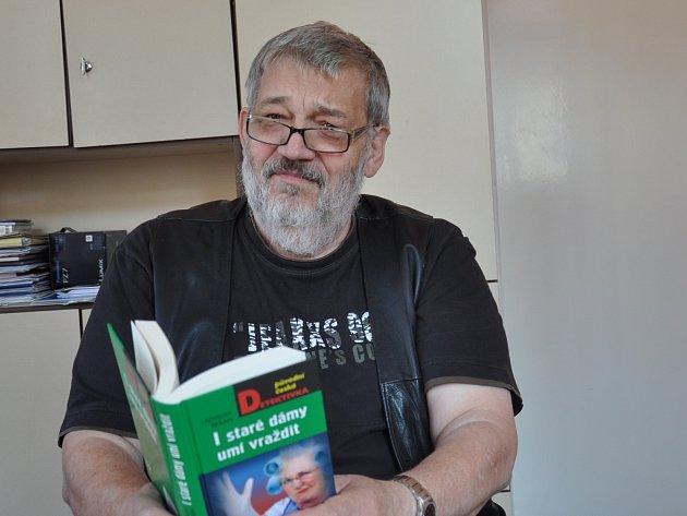 PÍSECKÝ  spisovatel Ladislav Beran s novou knihou povídek nazvanou I staré dámy umí vraždit.