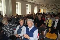 Osmdesátiny školy nabídly výstavu i vystoupení školní kapely.