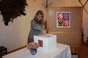 Volby ve Strážovicích u Mirotic na zámečku.
