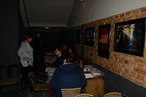 Výstava Milana Bubeníčka v Divadle Pod čarou.