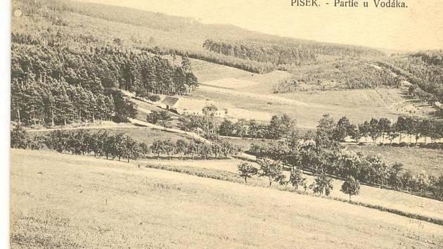 HISTORIE. Pohled na lokalitu U Vodáka v Písku ze  začátku minulého století.  Tehdy zde byla jen samota.