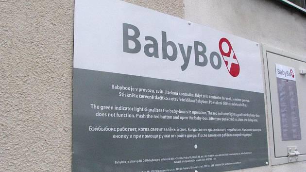 Otevření babyboxu v Písku.
