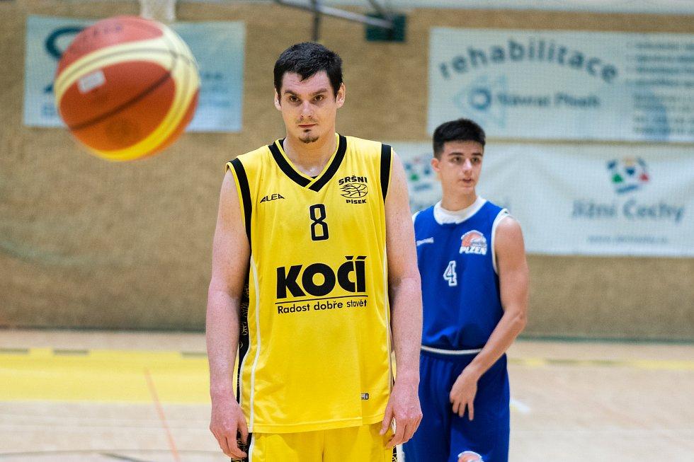 Sršni Sokol Písek – BK Loko Plzeň 97:65 (27:17, 23:20, 17:18, 30:10).
