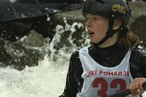 VELKÝ TALENT. Náš snímek je z loňského závodu Mistrovství ČR na Lipně, kde tehdy čtrnáctiletá Pavlína Zástěrová ze Sokola Písek obsadila, za účasti kompletní  seniorské reprezentace, mezi ženami vynikající páté místo.