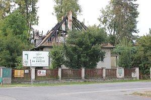 Vyhořelý dům v Čimelicích
