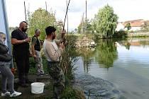Václavské rybaření v Oslově.