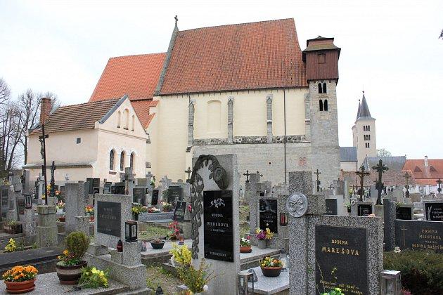 Milevsko, kostel sv. Jiljí umilevského kláštera. Ilustrační foto
