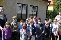 Prvňáčci ze ZŠ v Mirovicích se stali novými čtenáři.