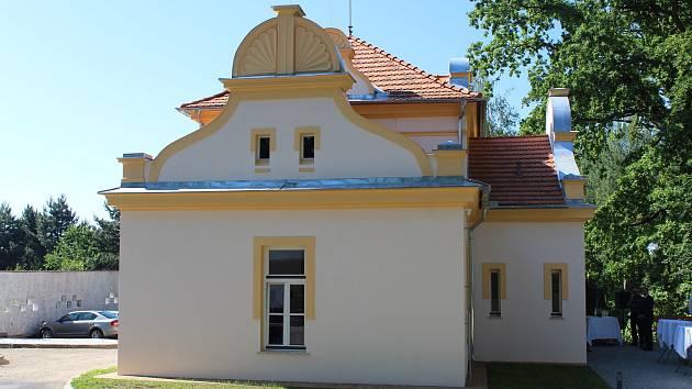 Nemocnice Písek otevřela zrekonstruovanou kapli. Nyní se v ní sejdou duchovní z jihočeských nemocnic.