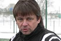 Karel Musil krátce před přípravným zápasem, ve kterém fotbalisté FC Písek prohráli s béčkem Viktorie Plzeň 1:2.