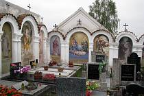 Opravené výklenkové kapličky v Albrechticích nad Vltavou.