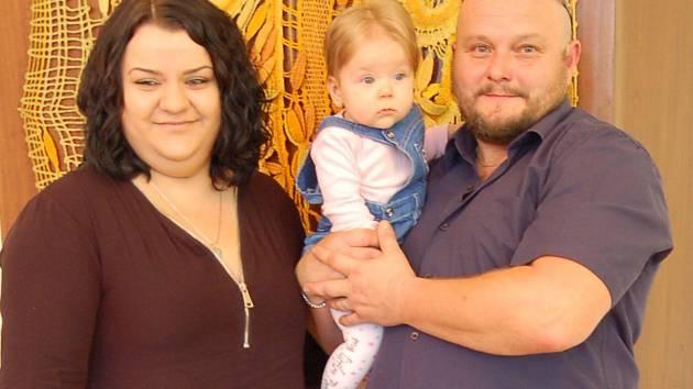 Soňa Kohoutová a rodiče Simona a Roman Kohoutovi.
