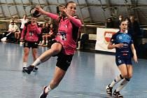 Písecké házenkářky (v růžovočerných dresech) doma v Evropském poháru porazily HRK Grude 38:27.