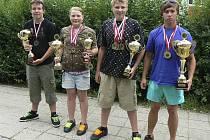 Na snímku jsou úspěšní písečtí závodníci z Frýdku-Místku. Zleva stojí: Filip Humpál, Kateřina Marková, Jiří Marek a Filip Hlaváč (chybí Daniel Štěrba a Jan Materna).