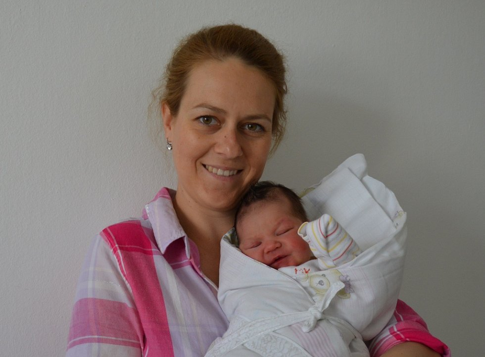 Lýdie Velemanová zPísku. Prvorozená dcera rodičů Michaely a Radka Velemanových se narodila 10. 4. 2018 ve 4.27 hodin, vážila 3200 g a měřila 49 cm.