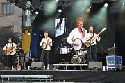 Dotkni se Písku oživila i vystoupení souborů, skupin a kapel.