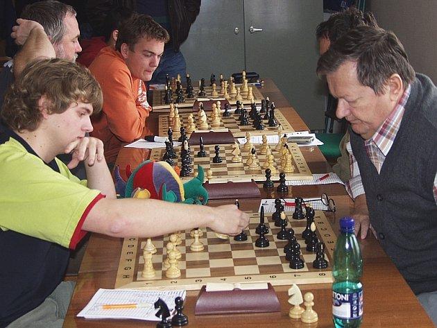 CENNÉ VÝHRY. Šachistům píseckého Sokola se v zápasech o divizní body dařilo.