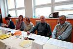 Volební okrsek číslo 1 v 1. ZŠ Milevsko měl kolem sobotního poledne odškrtnuto ze seznamu voličů 63 procent.