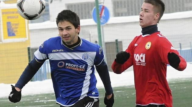 Třetiligoví fotbalisté FC Písek se v sobotu představí na domácím hřišti, kde od 11 hodin přivítají v přípravném zápase divizní tým Benešova.