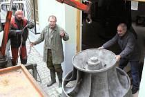 Městská elektrárna v Písku dostala ke 120. výročí Francisovu turbínu.