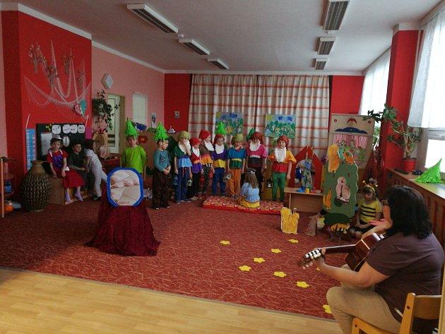 Děti ze žluté třídy 15.mateřské školy vErbenově ulici vPísku.