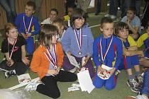 Na snímku je úspěšná výprava mladých atletů z Milevska, vepředu vlevo je Pavla Molíková.