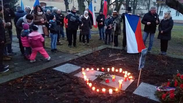 Vzpomínková akce na Jana Palacha v Kovářově.