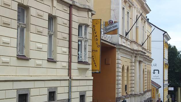 Divadlo Pod čarou Písek.