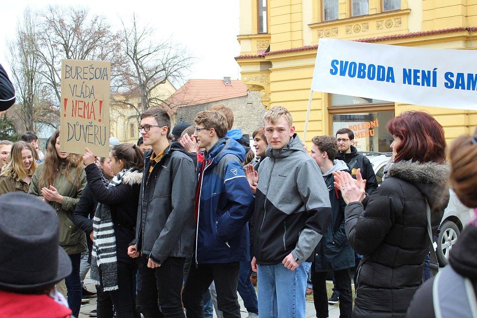 Studenti píseckého gymnázia se připojili k výstražné stávce Vyjdi ven!