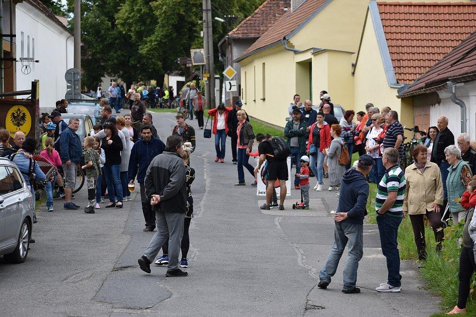 Historické vozy projely Putimí.