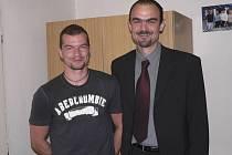 VYŠŠÍ SOUTĚŽ. Trenér Aleš Kyrián (vlevo) i hráč Přemysl Janovský se na první basketbalovou ligu v Písku moc těší.