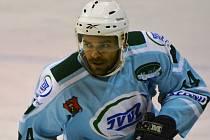 ÚTOČNÍK. Josef Urbanec rychlý konec sezony bere těžce. S týmem Milevska byl zvyklý si minulé sezony vždy protáhnout.