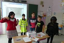 Jak to bylo před rokem 1989  a při sametové revoluci si připomněli žáci 5.C II. ZŠ J. A. Komenského v Milevsku.