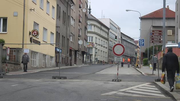 První úsek Nádražní ulice je téměř hotový.