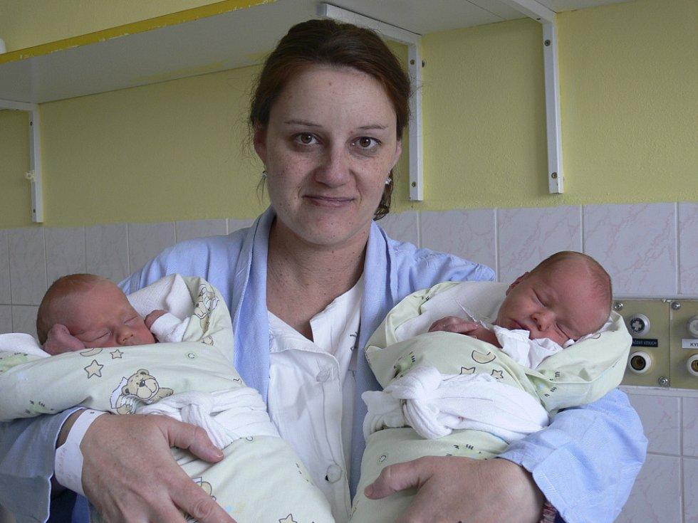Matyas a Vojtěch Pátkovi, 30.12.2008, 20.30 hodin, 2700 g, 46 a 48 cm, Chrášťany