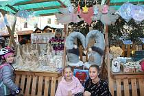 Tylovka prodávala andílky. Výtěžek půjde seniorům a nemocným.