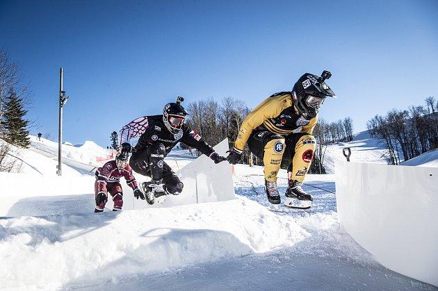 Jakub Oudes si zvolil vČeské republice poněkud netradiční sport. Crashed Ice si ale zamiloval.