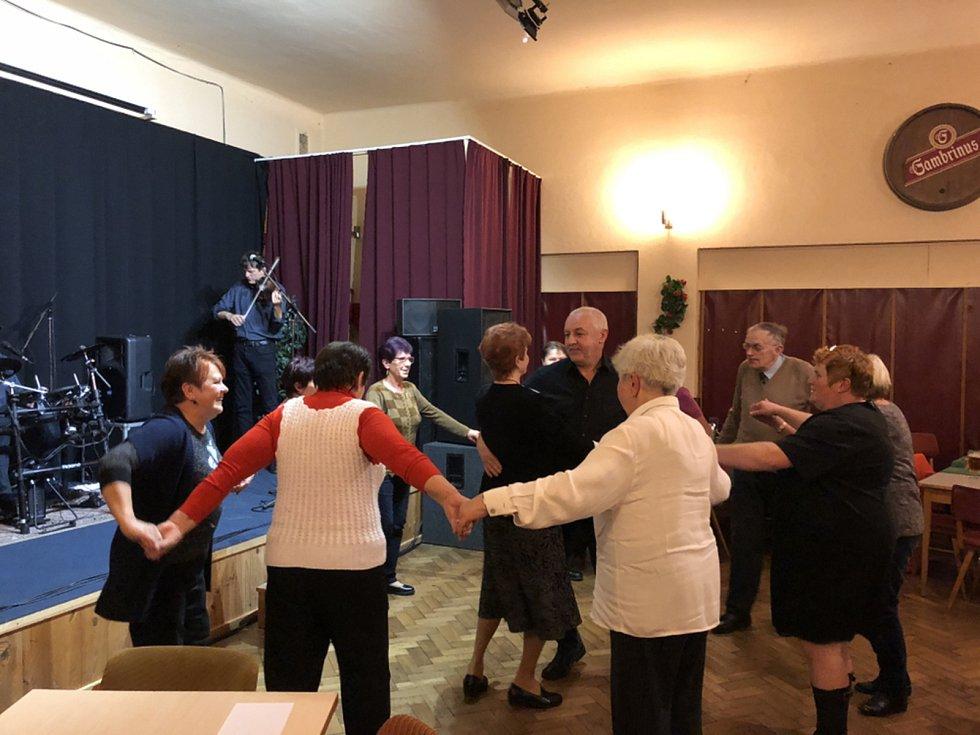 Setkání důchodců v Čimelicích.