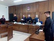 Podle zatím nepravomocného rozsudku Okresního soudu v Písku dostal mladý řidič vodního skútru za smrt dívky na orlické přehradě tříletý trest odnětí svobody s podmínečným odkladem na pět let.