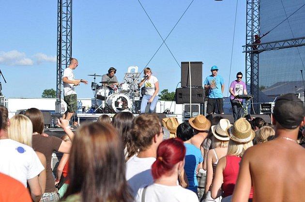 Open Air Musicfest Přeštěnice 2011 s Anetou Langerovou, Tomášem Klusem, kapelami K2, Vanilla Sky a dalšími