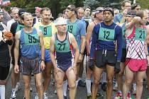 Silvestrovský běh na 15 km v Jistebnici absolvoval také vytrvalec Jiří Jansa (na snímku vlevo s číslem 95) z Atletiky Písek, který ve své kategorii obsadil třetí  místo.