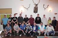 Účastníci turnaje v ping-pongu ve Vlastci.