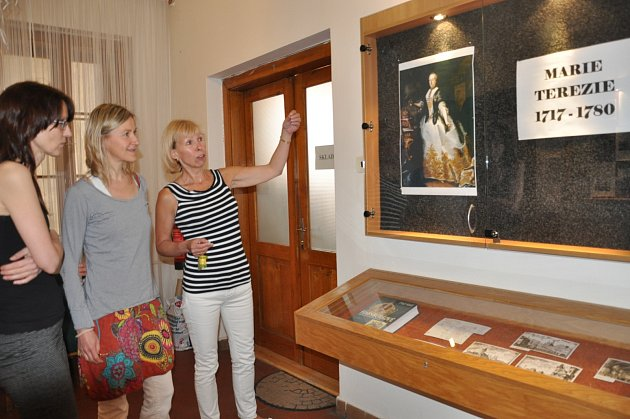 Výstava o Marii Terezii v písecké knihovně.