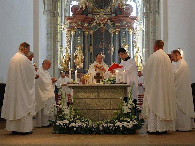 V klášterní bazilice sloužil svou první mši svatou Hyacint Pavel Kuchta, rodák z Milevska.