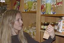 Podle tvrzení prodejců zájem o biopotraviny neustále rok od roku stoupá. Děje se tak i navzdory poměrně vysokým cenám těchto produktů.