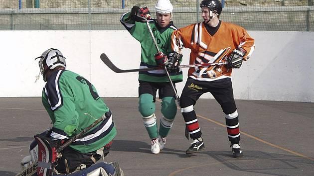 Hokejbalisté HC ŠD Písek úspěšně vstoupili do nové ligové sezony, když na svém hřišti zvítězili nad týmem TJ Pedagog České Budějovice 3:1.