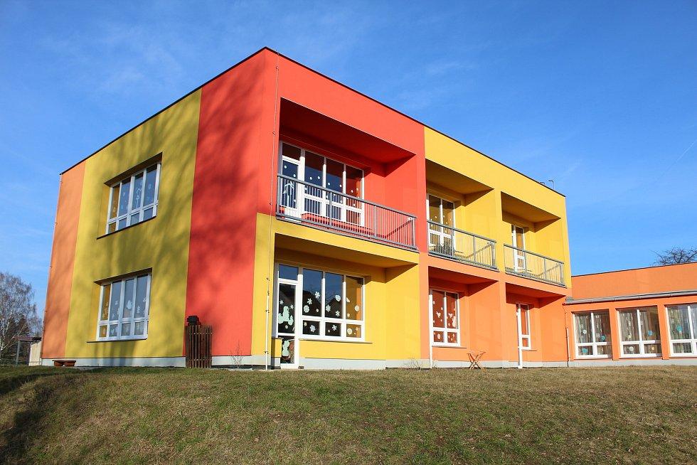 Mateřská školka v Miroticích.
